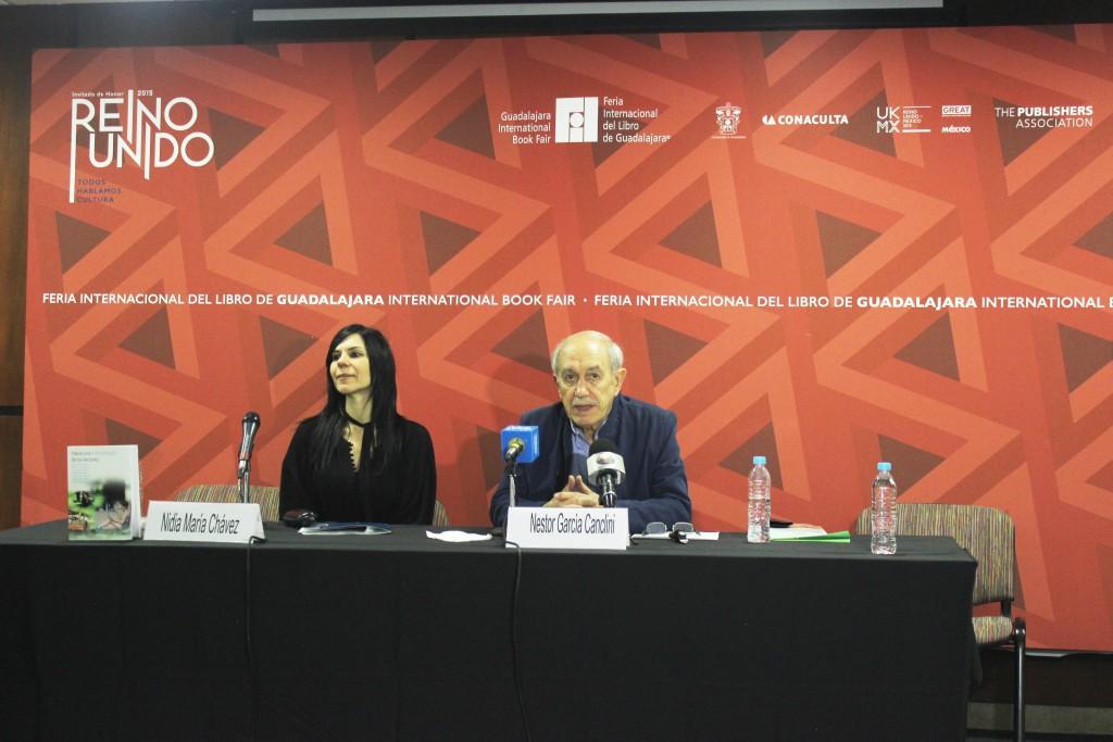 Nidia Chávez, directora de Fundación Telefónica México y Néstor García Canclini
