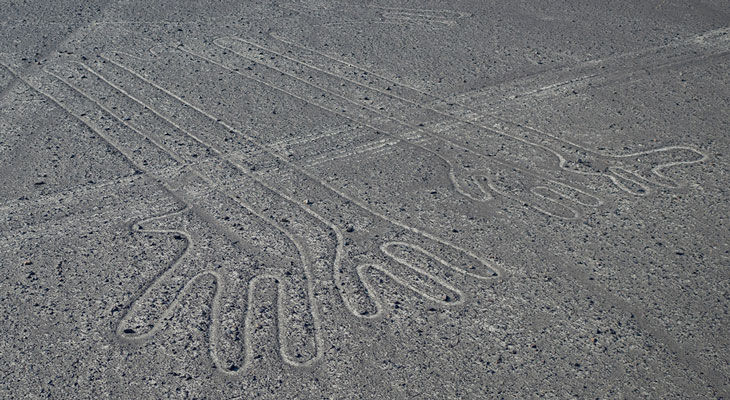 Nasca: Looking for footprints in the desert